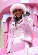 "Nov 25, 2010 - Keri Hilson - ""Macy's Thanksgiving Day"" 84th Annual Parade In NYC C9c7d5108236217"