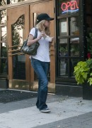 Бритт Робертсон, фото 117. Britt Robertson Out for icecream in Vancouver , July 17 2011, foto 117