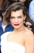 Милла Йовович, фото 1990. Milla Jovovich 84th Annual Academy Awards - February 26, 2012, foto 1990